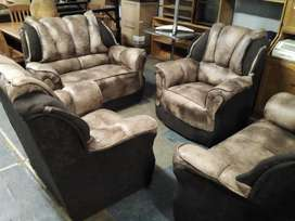 Mordern 4pc lounge suite