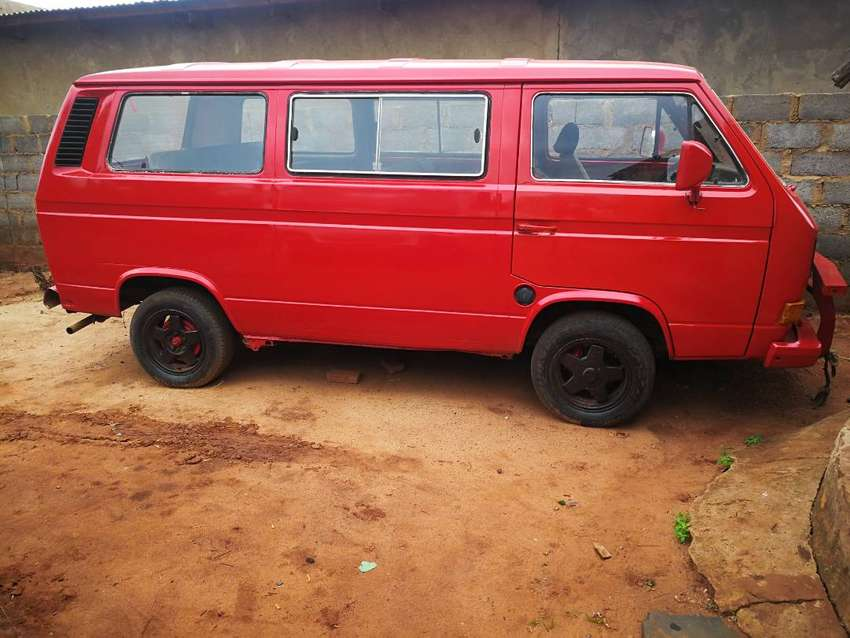 I am selling a microbus kombi with a 3Y Toyota Engen.