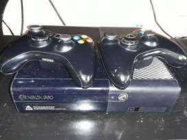 XBOX 360 WITH 12 GAMES 2 CONTROLS  & KINECT SENSOR