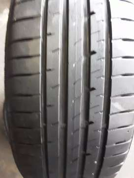 2×225/40/19 GOODYEAR Runflat tyres for sale it's available now