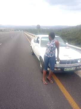 Selling my bmw 318i gusheshe in good condition