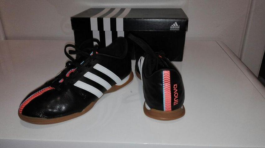 Úplně nové Adidas sálovky,vel.35 US nové 0