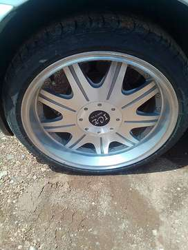 Ice mag rims and tyres