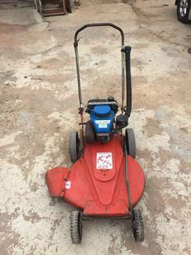 Lawnmower, Yamaha, belt driven, R3500