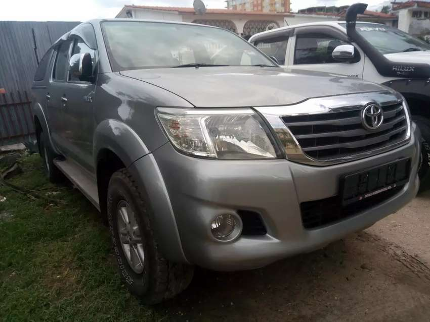 Toyota Hilux Pickup G double cab 2500cc 0
