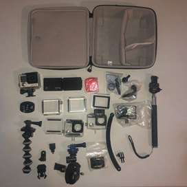 REDUCED - Go Pro Hero4 with tons of accesories