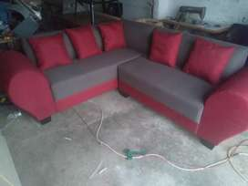Brand new sofa comes with 5 scatter cushions