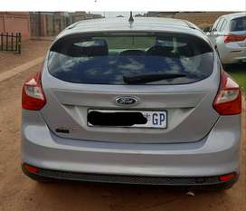 2012 Ford Focus, 1.6 . 121000 kms. R110 000