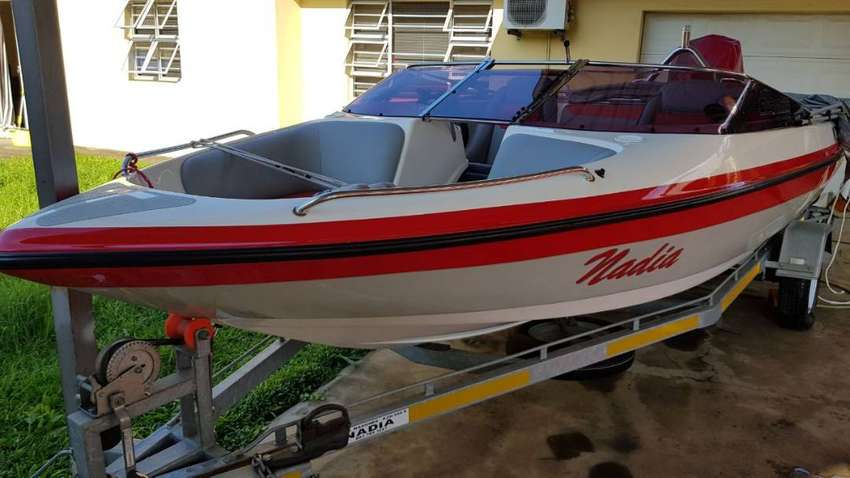 2010 Diversion XL Bowrider In Immaculate Condition. PRICE TO GO! 0