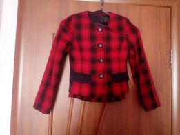 Костюм детский (пиджак ,жилет, юбка)
