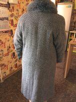 Продам зимнее драповое пальто!