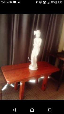 Table. Beautiful Coffee Table ONLY R 350. Uitenhage