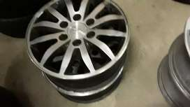 Set of 17inches Kia mags rim available
