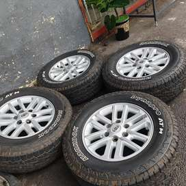 Toyota hilux mags and tyres 17inches