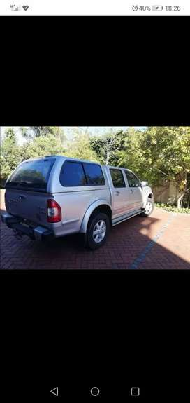 Urgently looking for isuzu kb 250 or 300 double cab bakkie