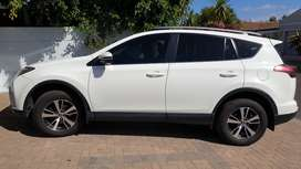 2.0 litre auto Rav4 Excellent condition.