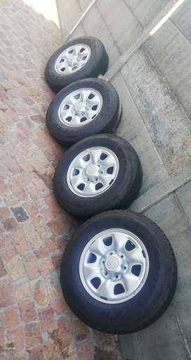 Toyota steel rims with tyers for sale in good condition