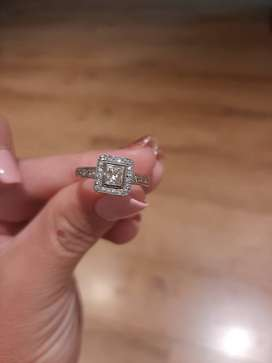 18ct white gold engagement ring for sale