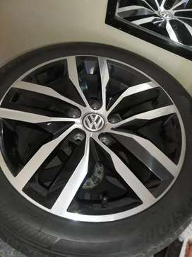 """17"""" OEM Golf VII(7) Rims With Tyres"""