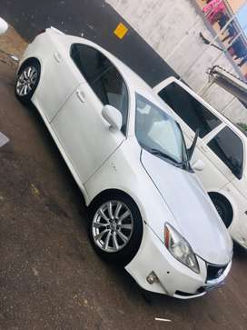Am selling my Lexus is250 Negotiable price