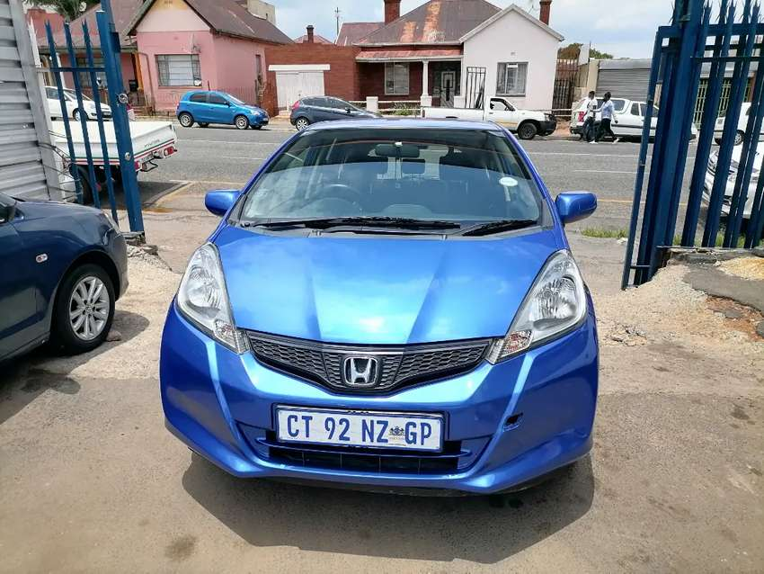 2012 Honda Jazz 1.3 Automatic with Service books and spare key 0
