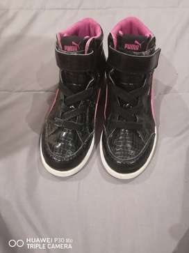 Kids Original sneakers size  1, 3 ND 3.5
