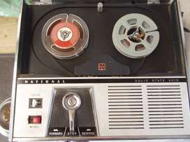National Solid State Vintage RQ 401S tape Player