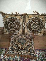 Подушки для дивана (не большые)
