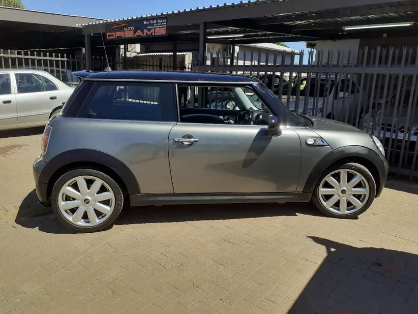 2010 Mini Cooper S 1 owner vehicle with a FSH 109km on the clock