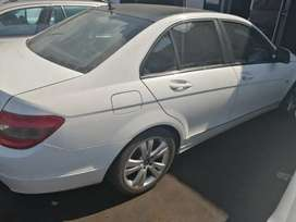 W204 C320 CDI stripping for spares.