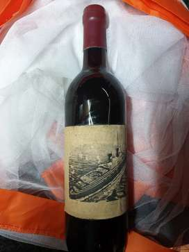 achille lauro red wine collectors bottle