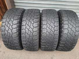 265 70 R16 Cooper Discoverer S\T Tyres
