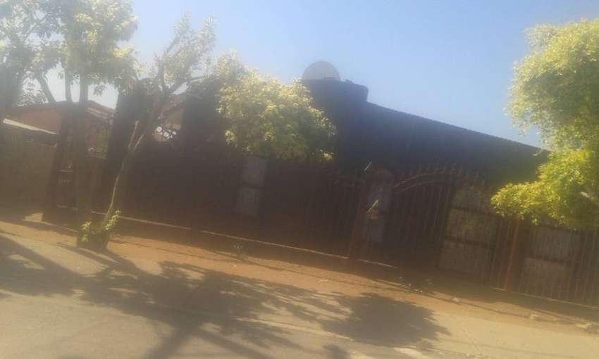 7 room house for hire Block B. Mabopane 0