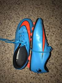 Image of soccer boots size 4