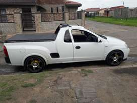 17 inch rims, very good sound, good condition