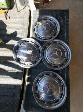Mbenz chrome hubcaps