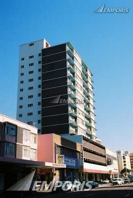 1.5 BDR FLAT FOR SALE IN POINT DBN WITH PARKING