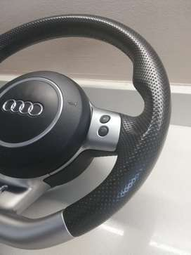 Audi RS4 B7 Flat-Bottom Steering Wheel