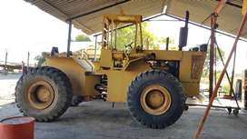 Cameco caterpillat tow tractor