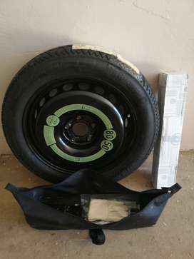Mercedez-Benz 200 Spare Tyre & Tools