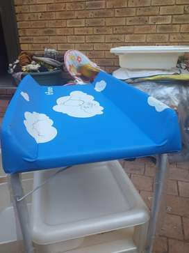 My new baby bath set tub for sale for R500