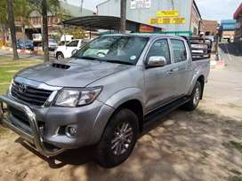 Toyota hilux 3.0d-4d auto 4x2 Cattle croll, roll bars, and fsh