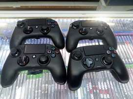 Used Ps4 NACON controllers