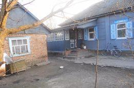 будинок в селі Попівка