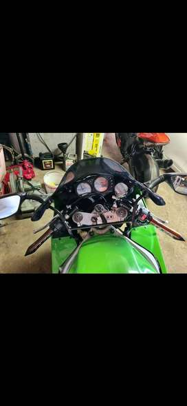 Kawasaki ZX9R 2000 for sale