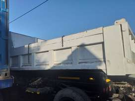 6 CUBE TIPPER BIN OF MERCEDES 1617 IN EXCELLENT CONDITION R25000