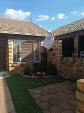 2 Bedroom Simplex for sale in Dalpark Ext 1