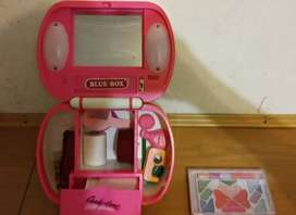 Girls pretend make up set