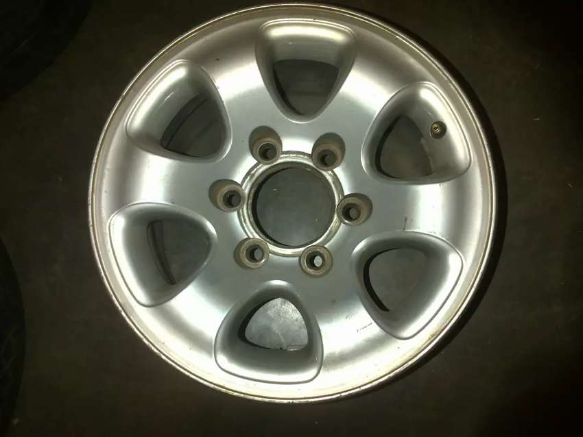 15inch Mazda/Ford Bakkie without center caps 0