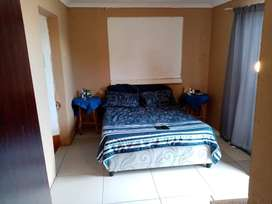 1 bedroom separate entrance flat behind Cape Gate mall.R5200 rent